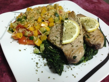Lunch_Dinner_Thunfischsteak auf Spinat & Gemüsereis