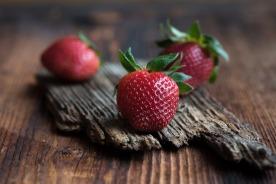 strawberries-1354686_1920