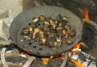 chestnuts-985161_1280