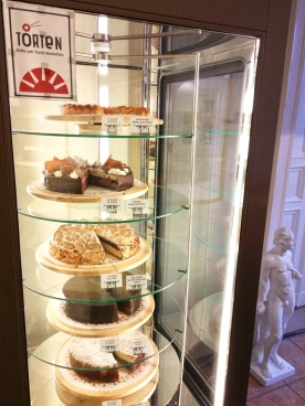 Die Auswahl an Torten im Kaffeehaus Morgenrot