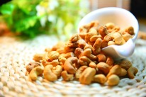 cashew-nut-1098177_1280