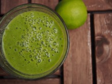 green-smoothie-1383437_1920