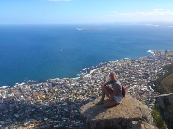 Blick vom Lion´s Head auf Sea Point mit Robben Island