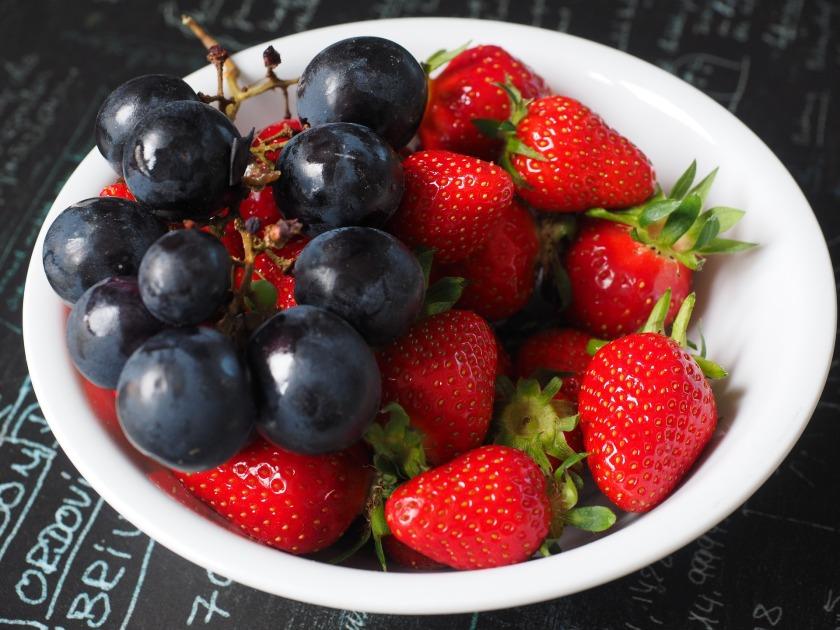 fruit-plate-1271943_1920