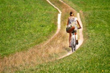 cyclists-2915140__340