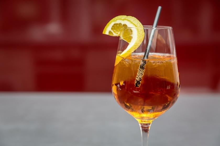 News: Sloe Gin Fizz heißt das neue Trendgetränk 2018 – InSideBerlin.