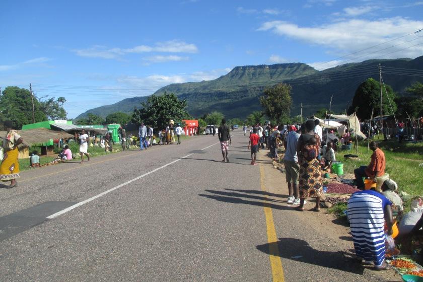 Blick auf Berge von Chitimba