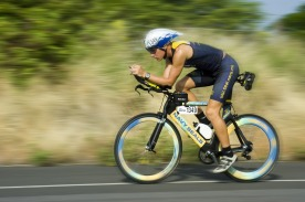 triathalon-cycling-racer-618750_1920(1)