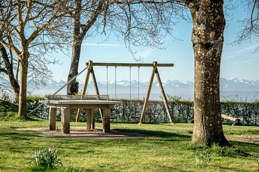 playground-550535__340