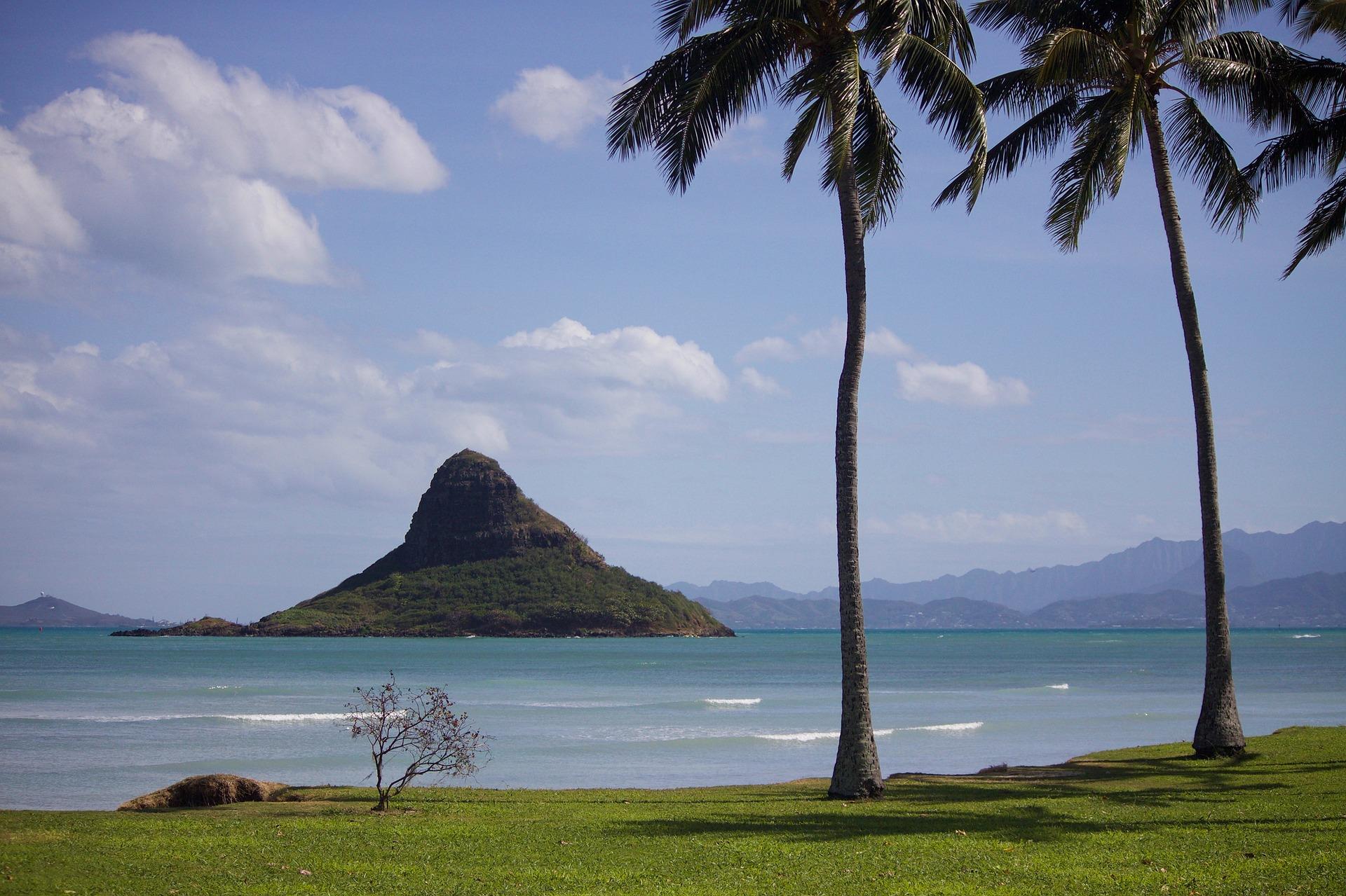 Urlaubsparadies Hawaii →  Tubing Abenteuer oder Stairway to Heaven?
