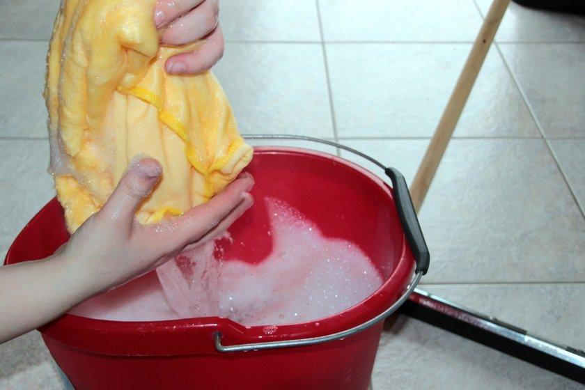 putz-bucket-1290940_1920