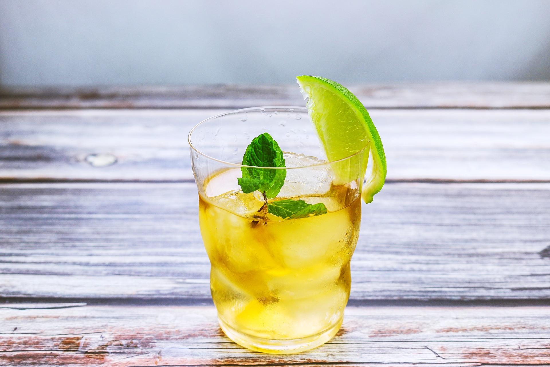 Auf's lange Wochenende: Noch einen Limoncello Spritz bitte!  #chinchin